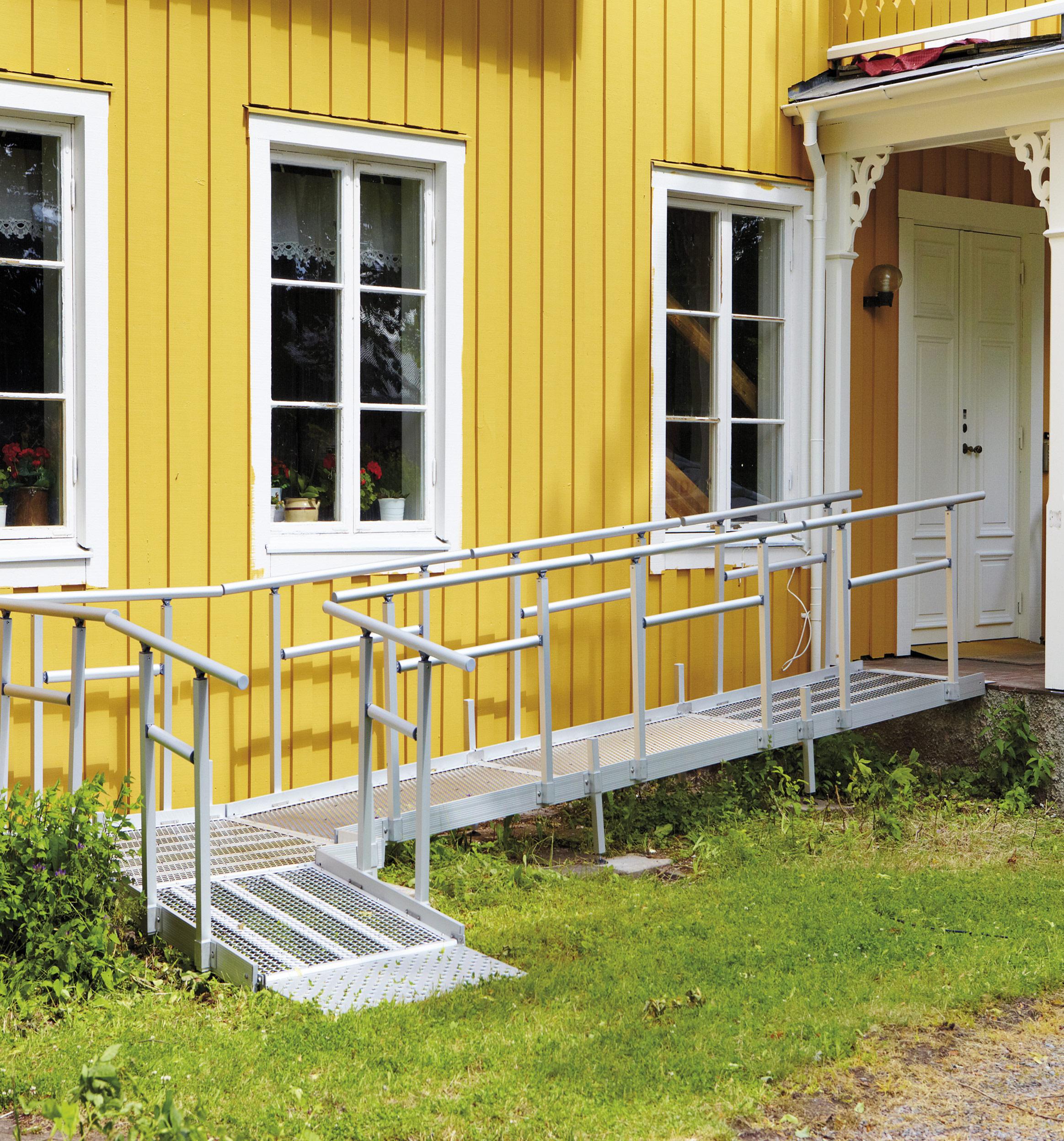 unkomplizierte-Rampensystem-fuer-unterschiedliche-Anforderungen-zur-Barrierefreiheit-im-eigenen-Haus-oder-Mietwohnung